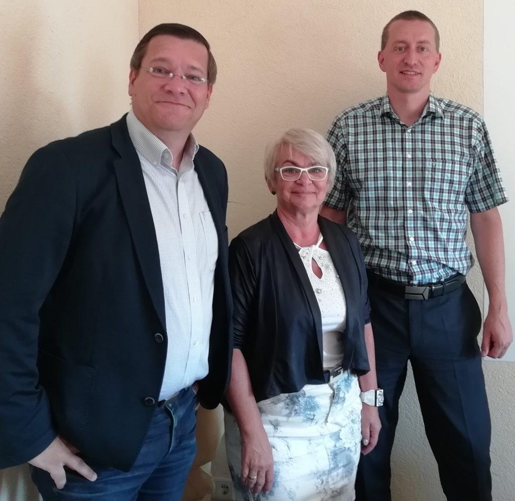v. l. Thomas Groß, Projektleiter IHK BIZ, Gabriele Giesel, Projektmitarbeiterin IHK BIZ, Dr. Lars Knopke, Geschäftsführer der BTH